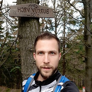 Filip Šimon na vrcholu Burkův vrch (17.5.2020 10:53)