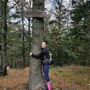 Aneta Gabzdylová na vrcholu Burkův vrch (17.5.2020)