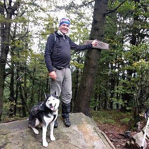 Joch a Dingo na vrcholu Burkův vrch (4.10.2020 13:18)