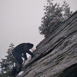 Smoula na vrcholu Karliny kameny (12.12.2020 12:50)