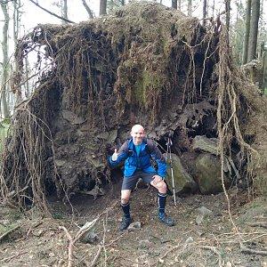 Petr Bartoň na vrcholu Čuboňov (15.4.2018 10:52)