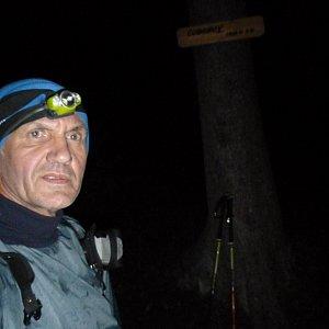 Joch a Dingo na vrcholu Čuboňov (27.10.2019 4:51)