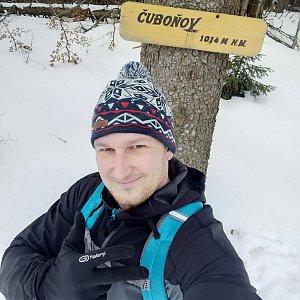 Jiří Tomaštík na vrcholu Čuboňov (9.3.2020 11:58)