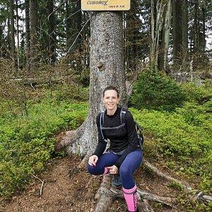 Aneta Gabzdylová na vrcholu Čuboňov (17.5.2020)