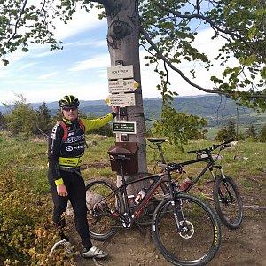 Vítězslav Vrána na vrcholu Holý vrch (8.5.2020 15:48)
