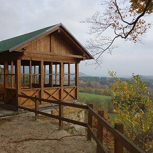 Iveta Válová na vrcholu Zelený vrch (4.11.2017 5:45)