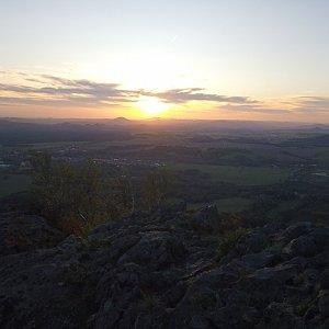 Štěpánka na vrcholu Ralsko (12.10.2019 19:31)