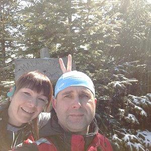 Brůča&Bubu na vrcholu Malá Stolová (2.4.2018 11:30)