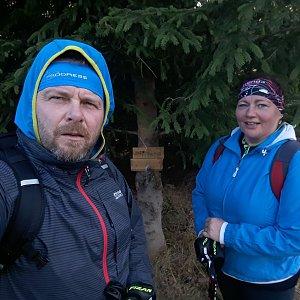 Martin a Jana Halamíčkovi na vrcholu Malá Stolová (17.11.2019 12:05)