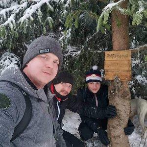 Lukáš, Vojta, a Martin Maupi Day na vrcholu Malá Stolová (19.1.2020 16:38)
