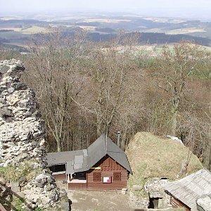 Iveta Válová na vrcholu Kumburk (9.4.2011 11:42)