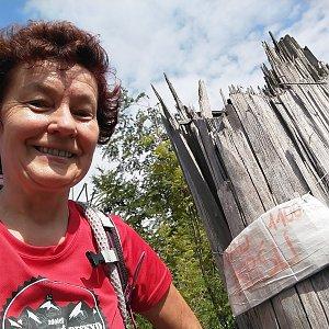 Anna na vrcholu Nad Kršlí (3.8.2019 9:45)