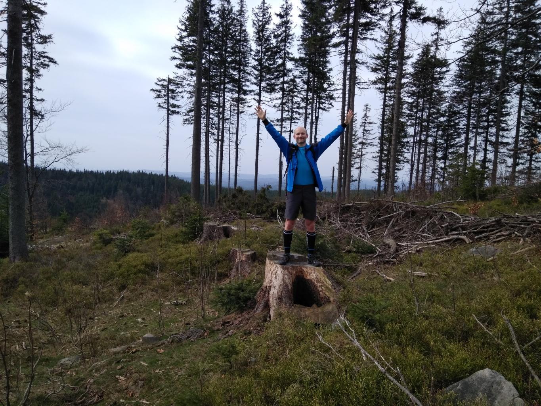 Petr Bartoň na vrcholu Nad Kršlí (15.4.2018 9:58)