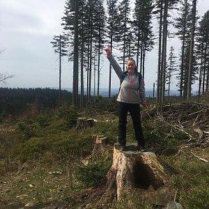 Veronika Pastorková na vrcholu Nad Kršlí (15.4.2018 9:57)