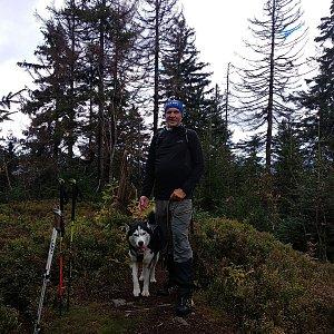 Joch a Dingo na vrcholu Nad Kršlí (4.10.2020 10:59)