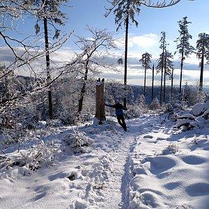Petr Bartoň na vrcholu Nad Kršlí (10.1.2021 17:50)