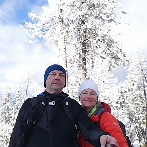 Dana + jirka na vrcholu Nad Kršlí (10.1.2021 12:57)