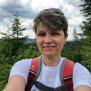Radka Dubská na vrcholu Nad Kršlí (12.6.2021 11:21)