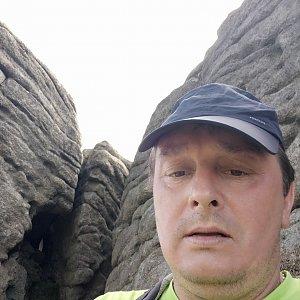 Roman Grebenar na vrcholu Magurka Radziechowska (31.7.2020 11:39)
