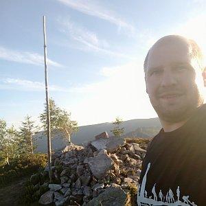 Petr Petrik na vrcholu Magurka Radziechowska (26.8.2020 18:41)
