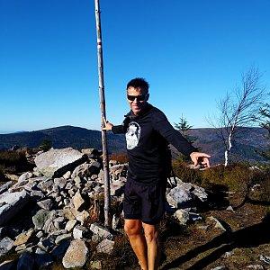 Standa na vrcholu Magurka Radziechowska (8.11.2020 12:30)