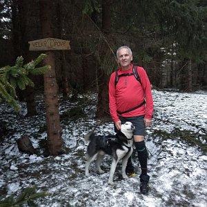 Joch a Dingo na vrcholu Velký Lipový (31.3.2019 19:15)