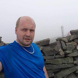 Petr Petrik na vrcholu Babia Hora (26.4.2020 12:08)