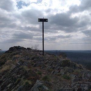 Eliška na vrcholu Velký jelení vrch (24.4.2021 12:30)