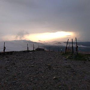 Eliška na vrcholu Sněžka / Śnieżka (16.7.2021 20:00)