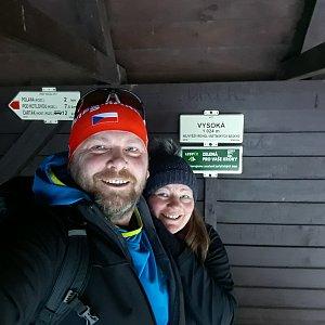 Martin a Jana Halamíčkovi na vrcholu Vysoká (3.1.2020 13:03)