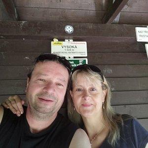 Jiří a Iveta na vrcholu Vysoká (8.6.2021 11:12)
