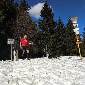 Joch a Dingo na vrcholu Malý Javorník (23.3.2019 12:42)