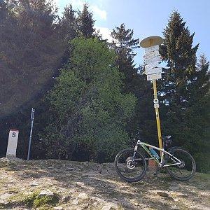 Marcela Kubíčková na vrcholu Malý Javorník (4.6.2021 16:55)
