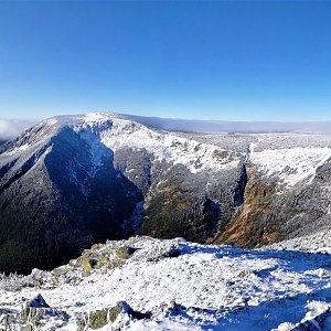 Vladimír Grančay na vrcholu Studniční hora (10.11.2019 8:15)