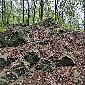 Pavel Martínek na vrcholu Na Valech  (25.4.2020 11:27)