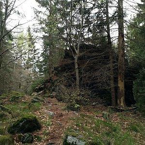 Anna na vrcholu Sokolí skály (1.5.2020 15:29)