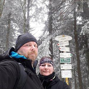 Martin a Jana Halamíčkovi na vrcholu Čertův mlýn (4.3.2020 12:01)