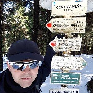 Pavel Skřičík na vrcholu Čertův mlýn (17.3.2019 10:15)