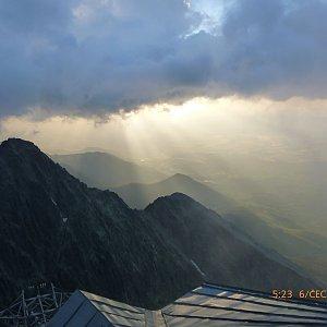 Pepino na vrcholu Lomnický štít (6.7.2016 5:20)