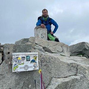 Dolfa na vrcholu Rysy (4.7.2021 14:00)