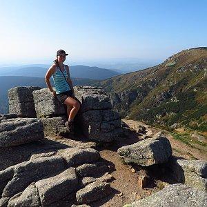 Iveta Válová na vrcholu Harrachovy kameny (22.9.2020)