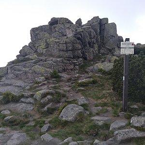 Eliška na vrcholu Mužské kameny (16.6.2021 10:45)