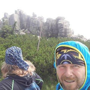 Martin a Jana Halamíčkovi na vrcholu Mužské kameny (18.7.2021 17:49)