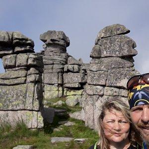 Martin a Jana Halamíčkovi na vrcholu Dívčí kameny (18.7.2021 17:49)