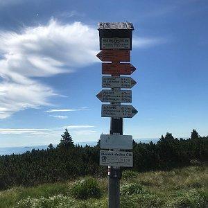 Karin Satoriová na vrcholu Nad Malým Kotlem (28.7.2020 10:03)