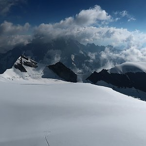 Bouřka na vrcholu Hinter Fiescherhorn (30.7.2020 8:58)