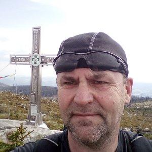 Li Be na vrcholu Plechý (25.5.2019 15:44)