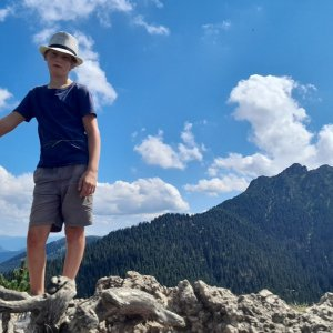 Erik Pernický na vrcholu Malý Rozsutec (29.7.2021 14:31)
