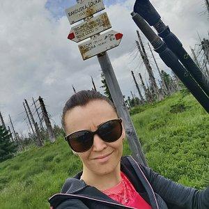 Michelle Sýkorová na vrcholu Nad Rakouskou loukou (4.7.2021 14:53)