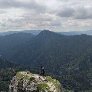 Terez Valčíková na vrcholu Ostrá (7.7.2020 11:30)